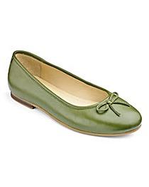 Heavenly Soles Bow Ballerina Shoes E