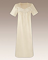 Naturally Close Satin Nightdress L48