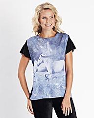 Horse Print Dipped Hem T-Shirt