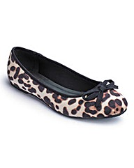 Sole Diva Round Toe Ballerinas E Fit