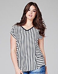 Navy Stripe - V-neck T-shirt