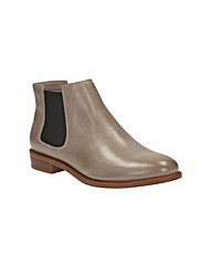 Clarks Taylor Shine Wide Fit