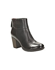 Clarks Enfield Tess Wide Fit