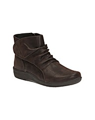 Clarks Sillian Chell Wide Fit