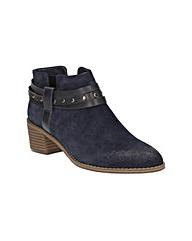 Clarks Breccan Shine Boots