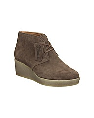 Clarks Athie Terra Boots