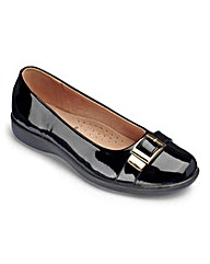 Cushion Walk Buckle Trim Shoes E Fit