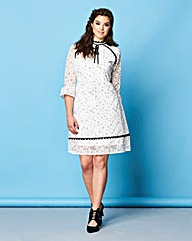 Simply Be Contrast Daisy Lace Dress