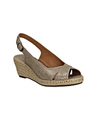 Clarks Womens Petrina Leigh Standard Fit