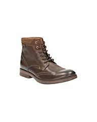 Clarks Devington Hi Boots
