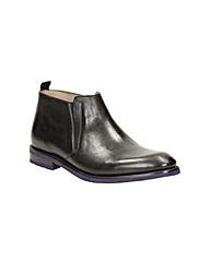 Clarks Swinley Mid Boots
