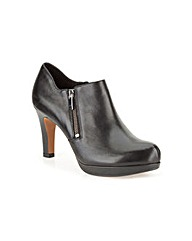 Clarks Womens Amos Kendra Wide Fit
