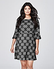 Black/White Print Fluted Sleeve Dress