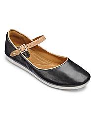 Clarks Feature Film Bar Shoes D Fit