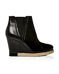 Moda in Pelle Carlona Short Boots