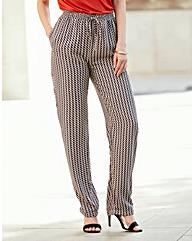 Woven Geo Print Hareem Trousers Short