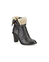 Clarks Womens Lisette Blues Standard Fit
