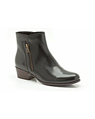 Clarks Womens Langdon Place Standard Fit
