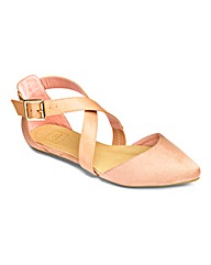 Sole Diva Cross Strap Pump EEE Fit