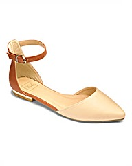 Sole Diva Pointy Ankle Strap EEE Fit