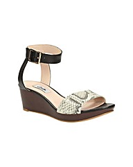 Clarks Womens Ornate Jewel Wide Fit