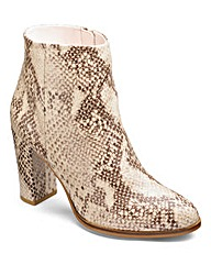 Sole Diva Ankle Boots D Fit
