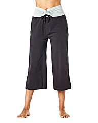 Wide Fit Capri Pants