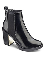 High Shine Chelsea Boot