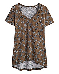 Butterfly Print Dipped Hem T-Shirt