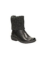 Clarks Avington Style Boots