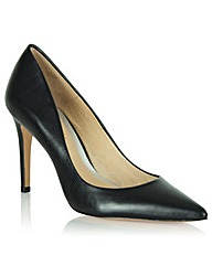 Daniel Aysgarth Pointed Court Shoe