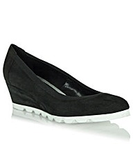 Daniel Seventh Avenue Wedge