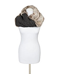 Pia Rossini Nikita Snood
