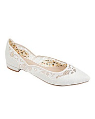 Perfect Primrose Tapestry/Lace Flat