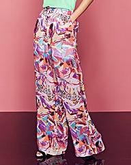 Woven Print Trousers Regular