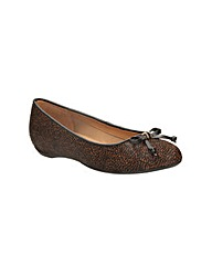 Clarks Womens Alitay Giana Standard Fit
