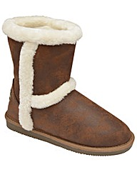 Faux-fur lined winter boots by Red Rock
