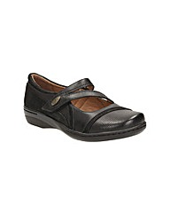 Clarks Womens Evianna Crown Standard Fit