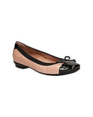 Clarks Womens Candra Glow Wide Fit