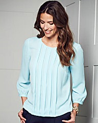 Pleat Blouse With 3/4 Sleeve