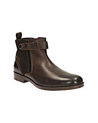 Clarks Brocton Mid Boots