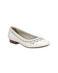 Clarks Womens Henderson Hot Standard Fit