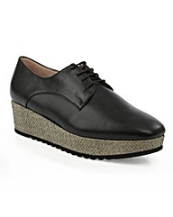 Daniel Monroe  Lace Up Slab Shoe