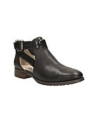 Clarks Busby Fresh Wide Fit