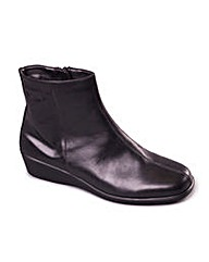 Aerosoles Fantastic Four Boot