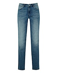 Wrangler SARA NARROW STRAIGHT Jean L30