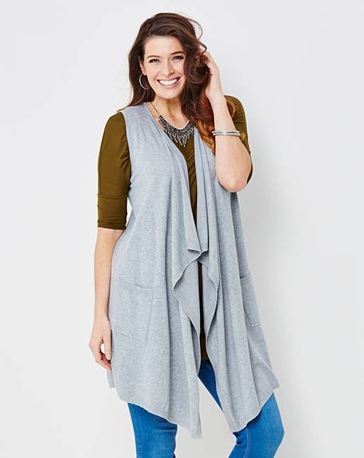 Discover the Matalan collection of women's cardigans this season. From elegant long line cardigans to cute button-up numbers, shop the range now.