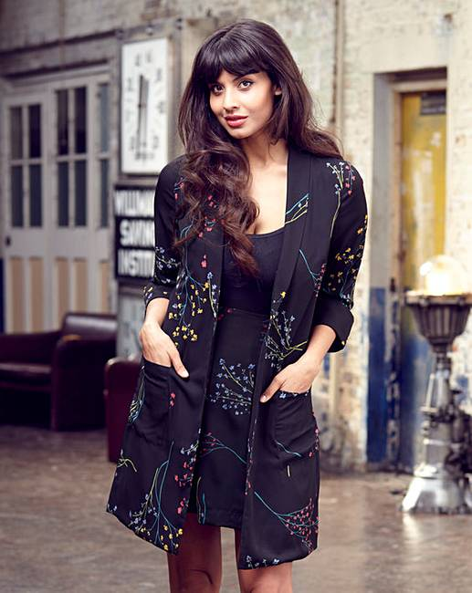 Jameela Jamil Calls For Body Confidence Education To Be On: Jameela Jamil Soft Jacket