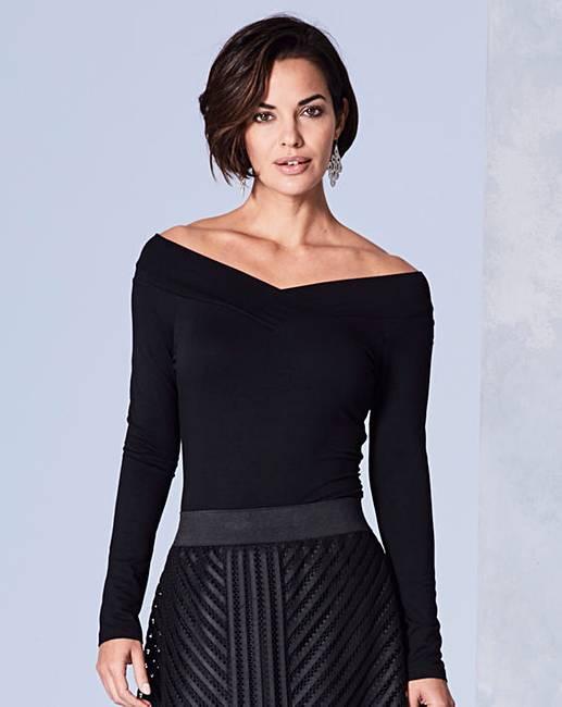 Shop online for Men's V-Neck T-Shirts at universities2017.ml Find designer long & short sleeve V-neck shirts. Free Shipping. Free Returns. All the time.