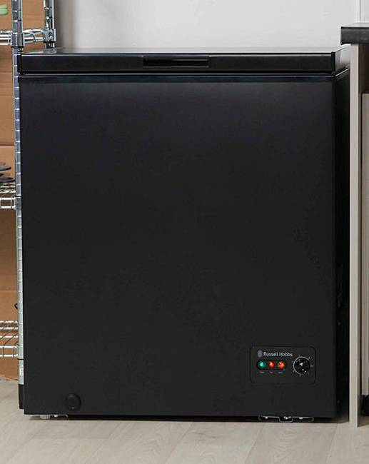 russell hobbs 142l chest freezer black fifty plus. Black Bedroom Furniture Sets. Home Design Ideas